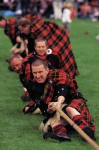 Tauziehen bei den Lonach Highland Games Foto: Scottish Viewpoint